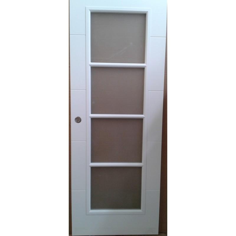 Puerta corredera lacada en blanco akarpinteros for Oferta puerta corredera